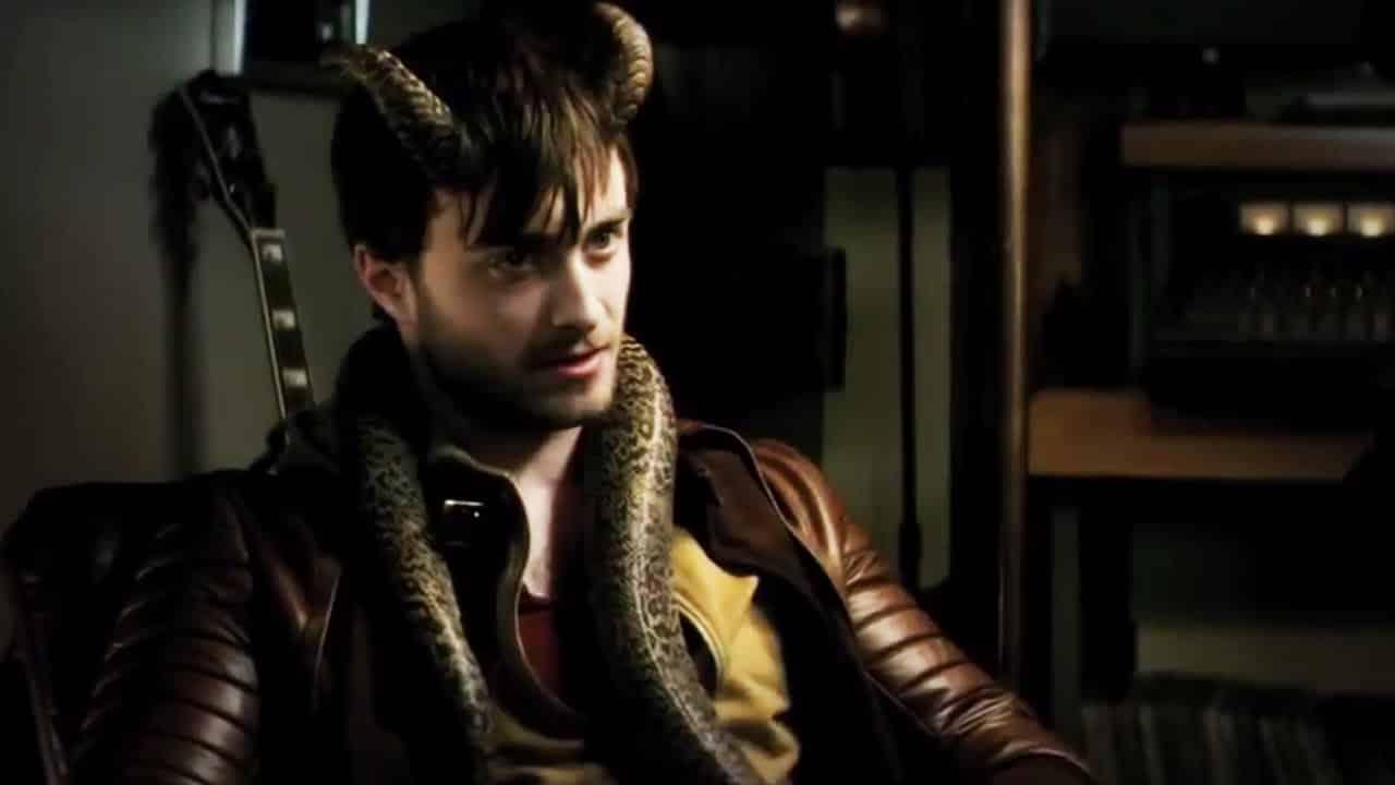 "Video thumbnail for youtube video Trailer y Poster de ""Horns"" con Daniel Radcliffe - Cine3.com"