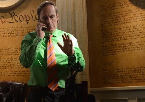Saul Goodman (Bob Odenkirk) en Breaking Bad (Temporada 5 - Episodio 9) Imagen promocional. Bob Odenkirk estelarizará el Spin-off de Breaking Bad. Better Call Saul, creado por Vince Gilligan.