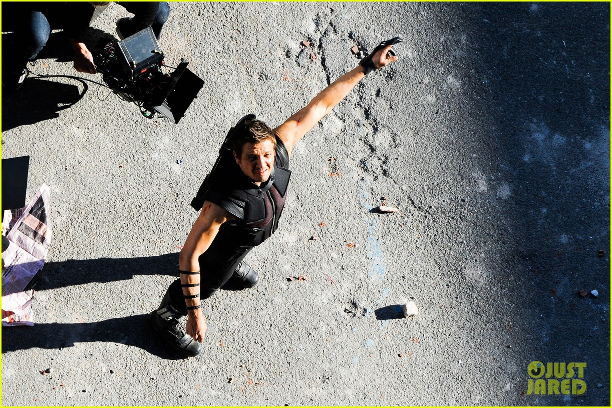 Stars shoot action scenes on the set of 'The Avengers 2' in Italy **USA ONLY**
