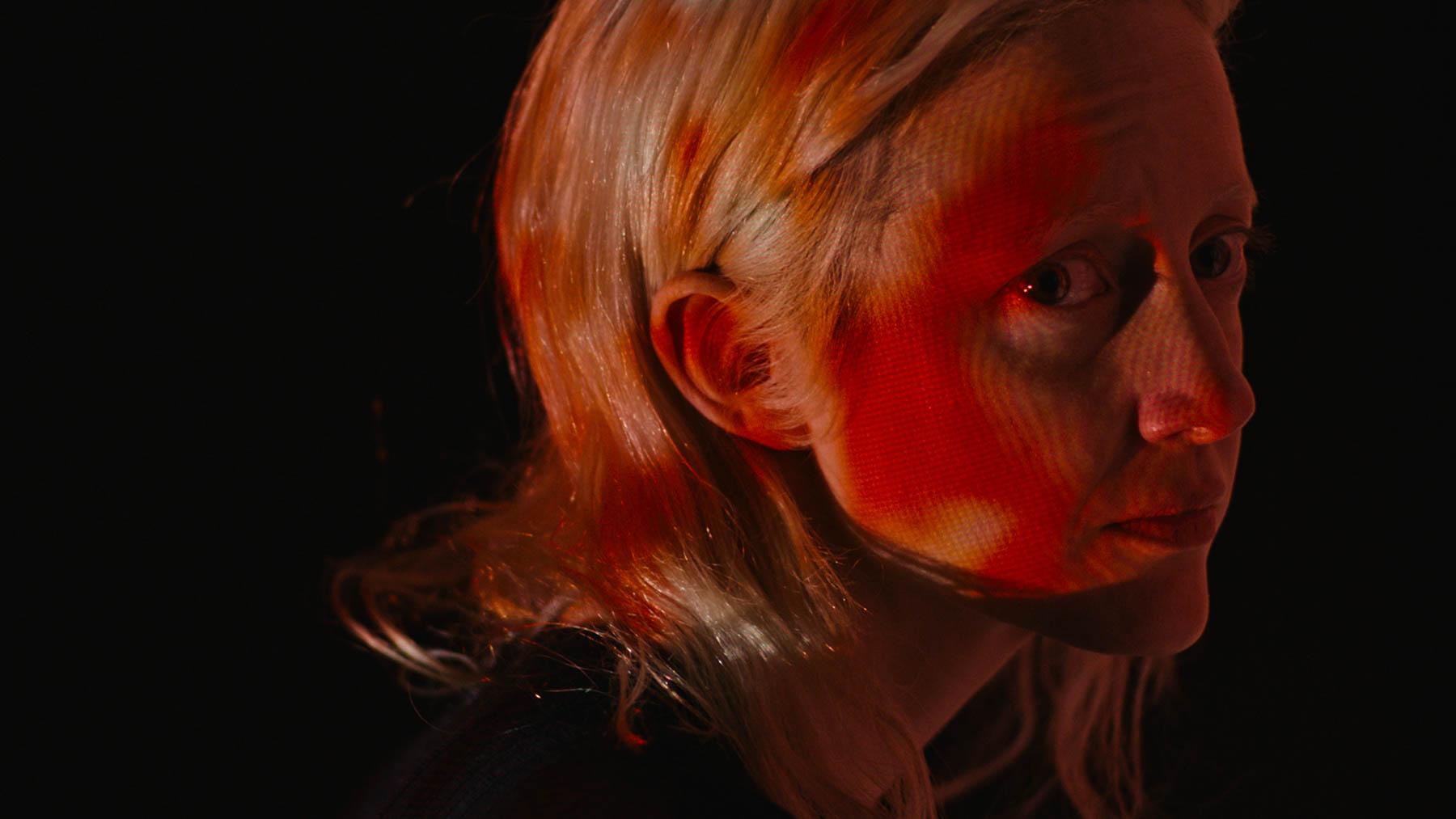 Possessor: el body horror de Brandon Cronenberg libera tráiler oficial
