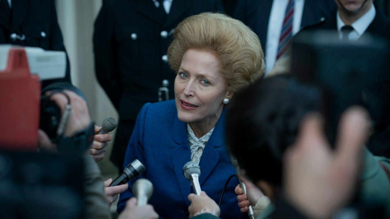 La serie The Crown revela nuevo tráiler con una Gillian Anderson feroz